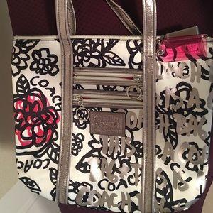 Coach Bags - Coach Poppy Graffiti Glam. Large tote shoulder bag